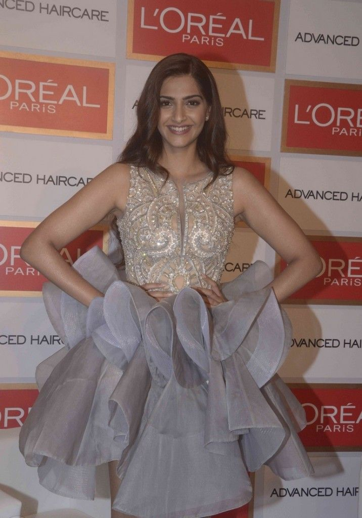 Sonam Kapoor Snapped at L'Oreal Paris Event Pictures