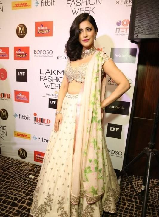 Shruti Haasan Showstopper for Anushree Reddy at LFW 2016