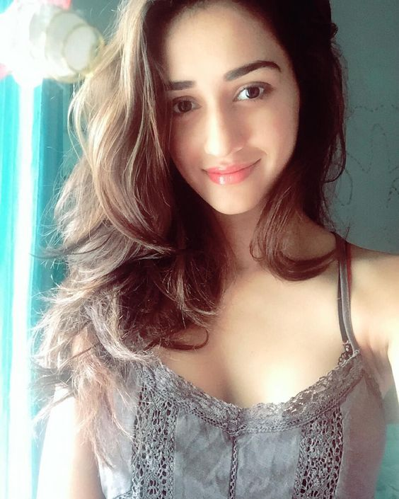 Disha Patani Shows Why She is Tiger Shroff's Girlfriend