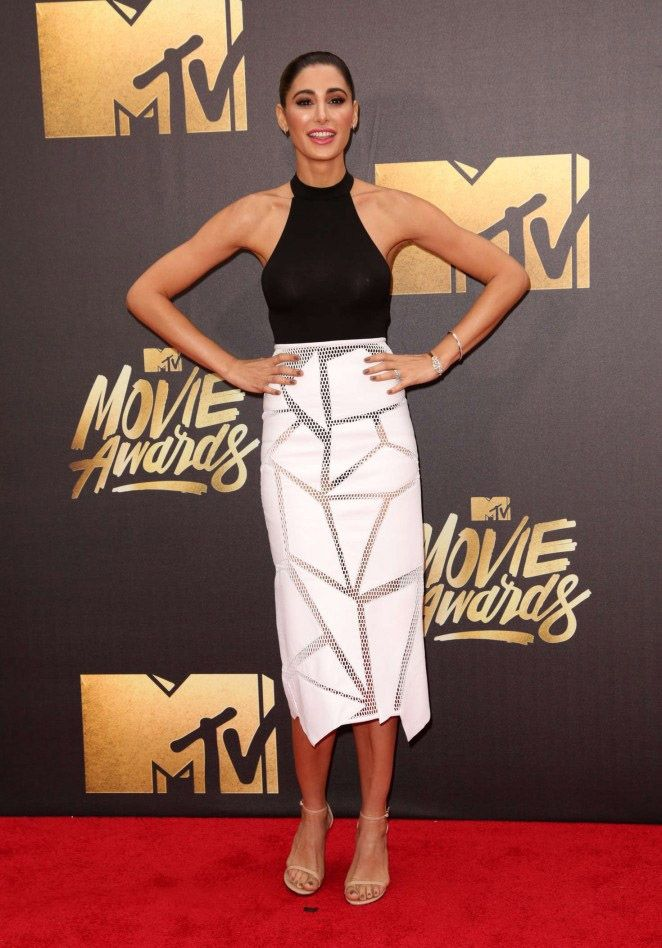Fakhri attended the 2016 MTV Movie Awards at Warner Bros