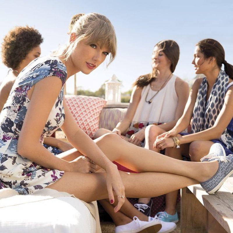 """Taylor Swift - """"KEDS"""" Campaign 2016"""
