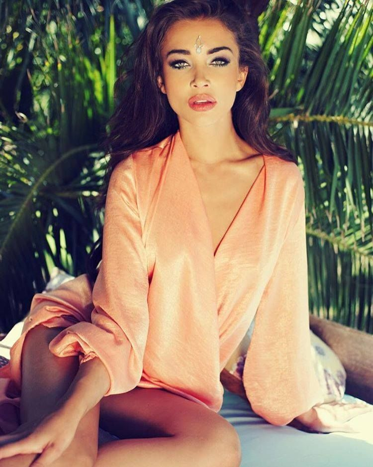 Amy Jackson for Hi Blitz, June 2016