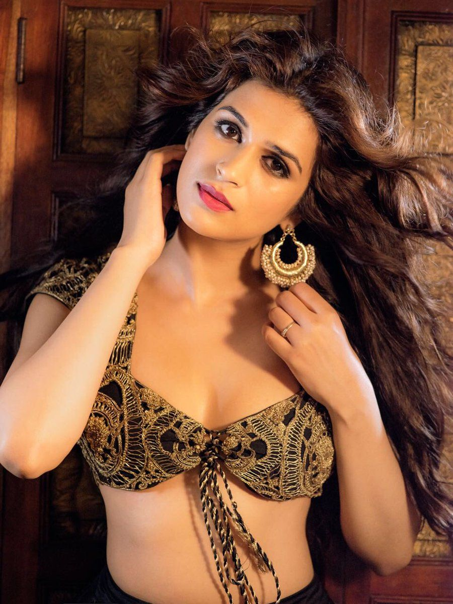 Shraddha Das Nude Photos 86