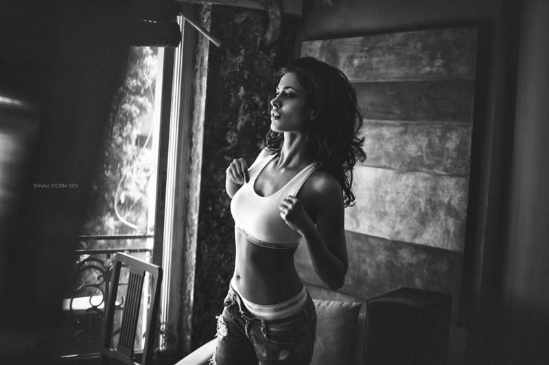 Sarah-Jane Dias  Looks Mind-Blowingly Gorgeous