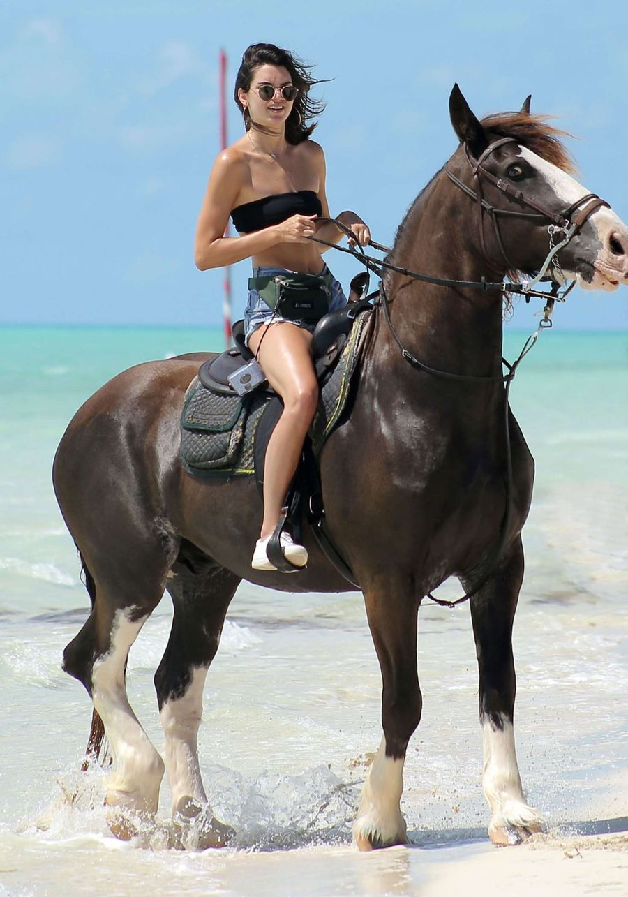 Kendall Jenner Horse-riding at a Beachwalk Ride