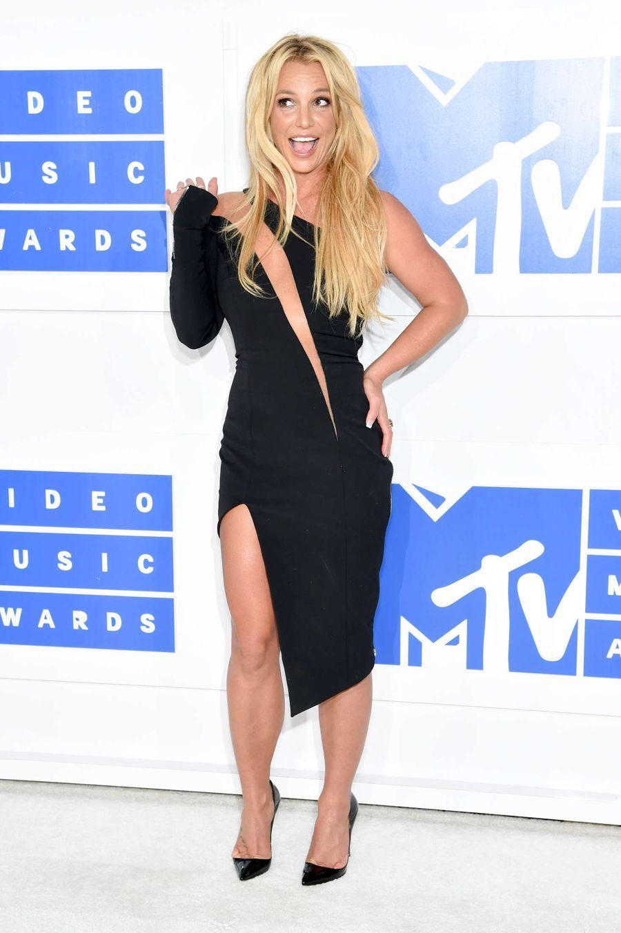 Britney Spears - 2016 MTV Video Music Awards in New York