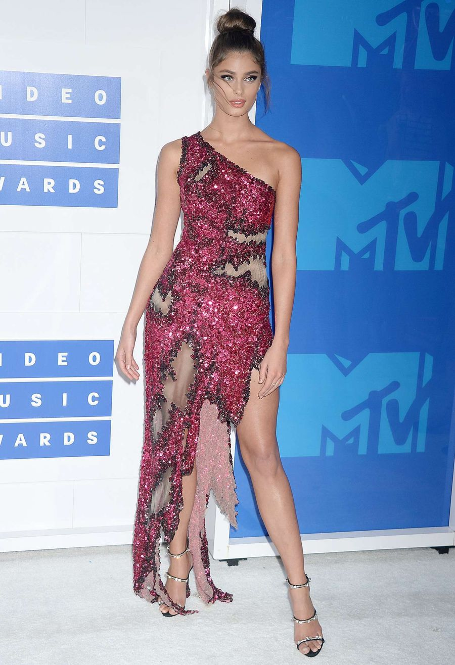 Taylor Marie Hill - 2016 MTV Video Music Awards
