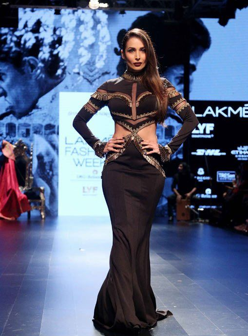 Malaika Arora Khan walk the ramp for Shantanu – Nikhil