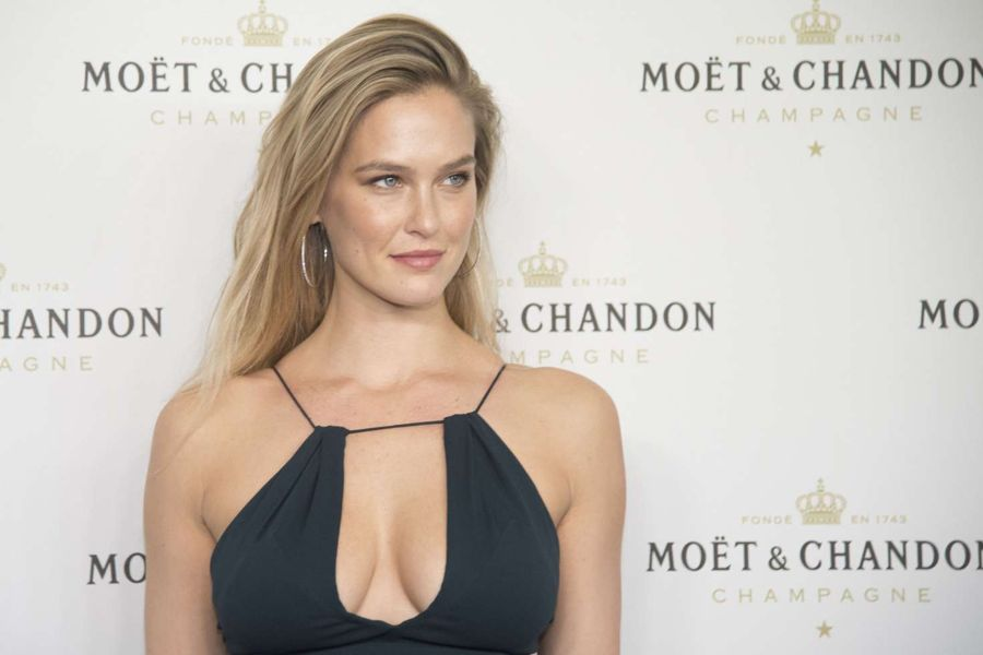 Bar Refaeli - Moet & Chandon Christmas in Madrid