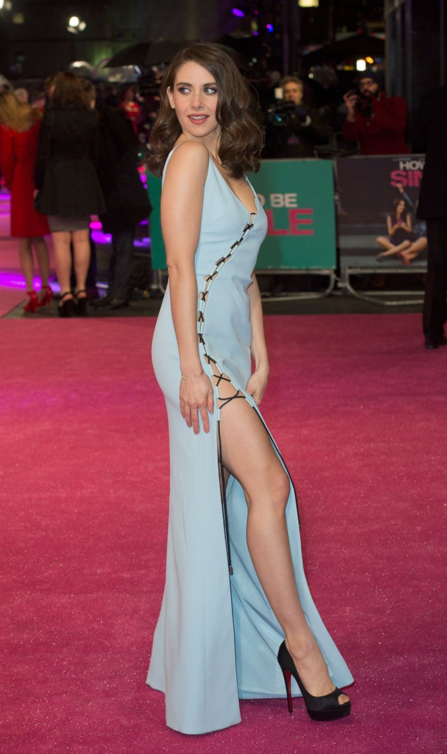 """Alison Brie - """"How To Be Single"""" Premiere in London"""
