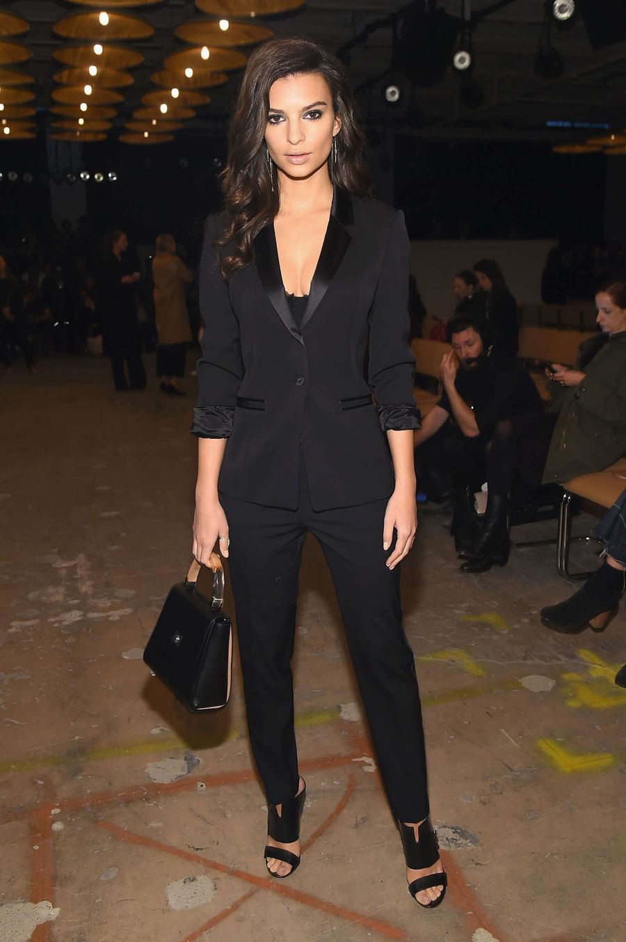 Emily Ratajkowski - Boss Womenswear 2016 Fashion Show