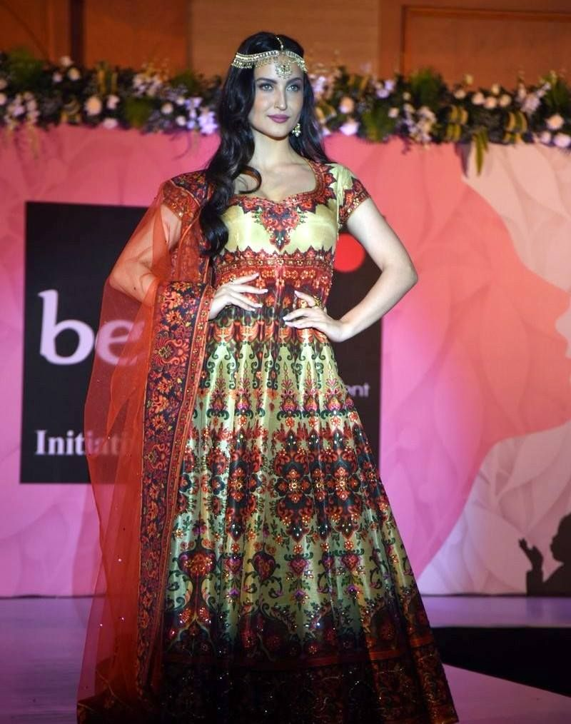 Elli Avram at Beti Foundation Fashion Show in Mumbai