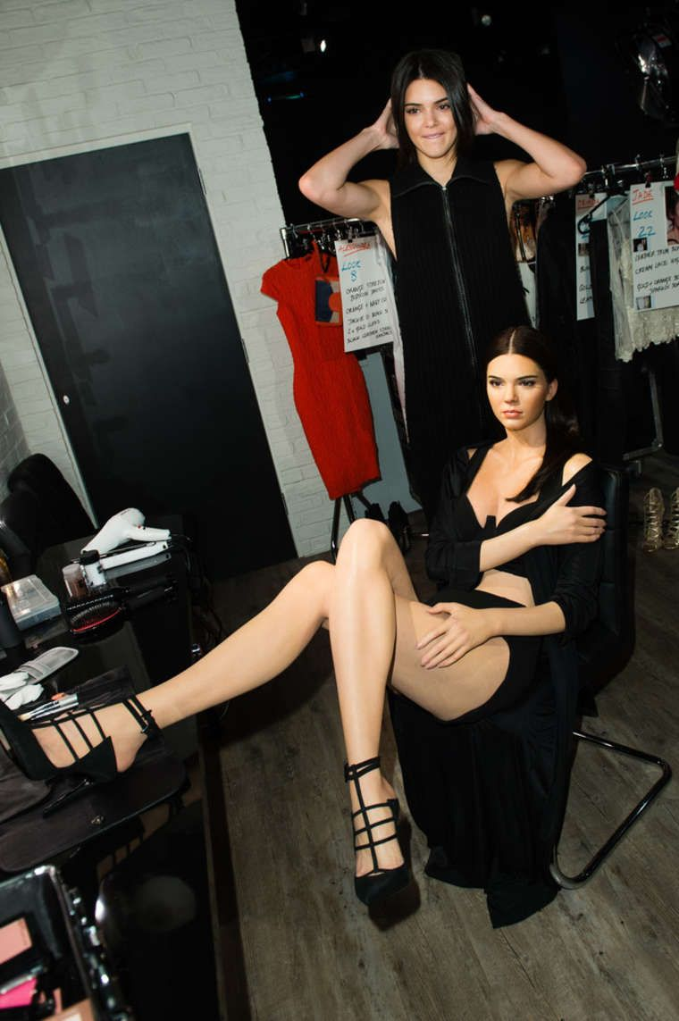 Kendall Jenner Visits her wax figure at Madame Tussauds