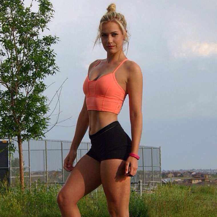 Paige Spiranac - Most Gorgeous Female Golfer