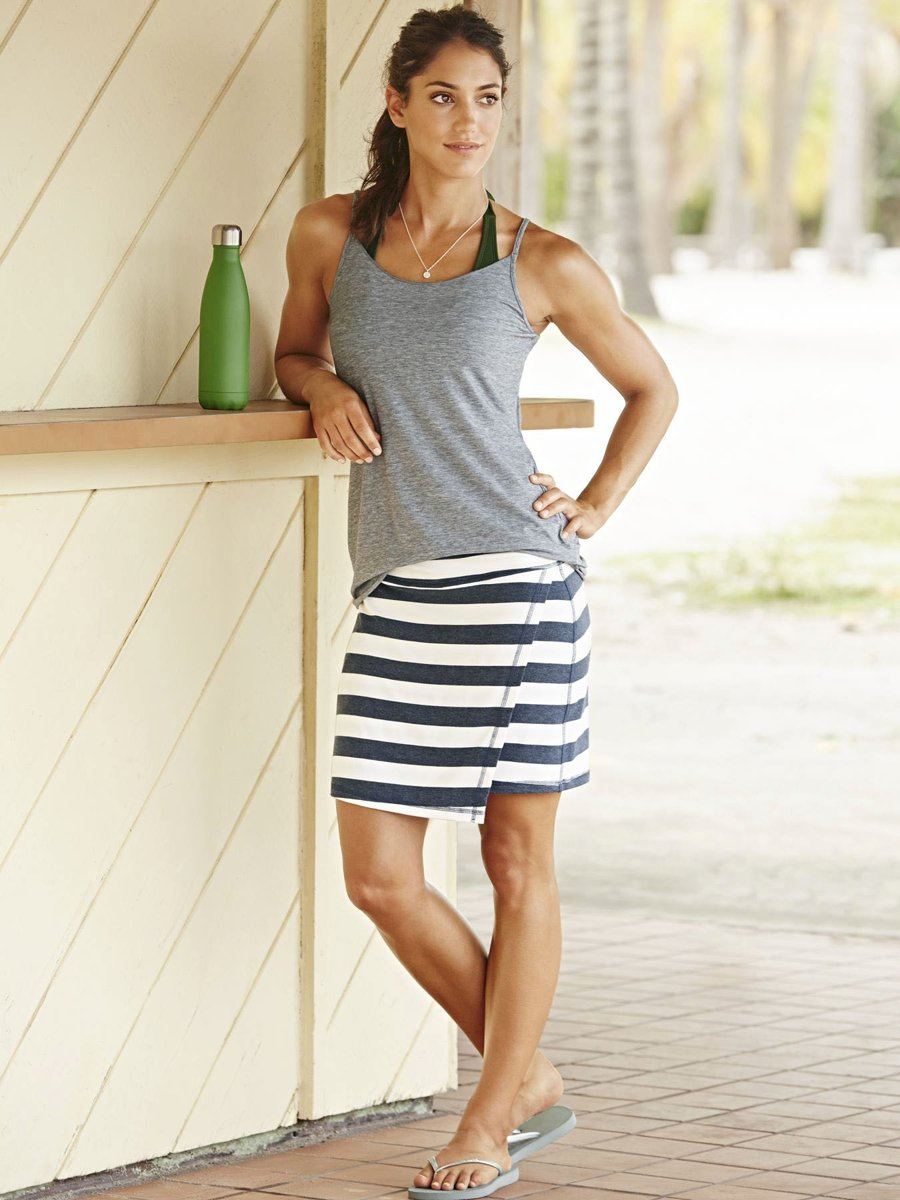 Gorgeous Pole Vaulter Allison Stokke Pose for Athleta