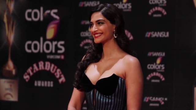 Sonam Kapoor @ Colors Stardust Awards 2015