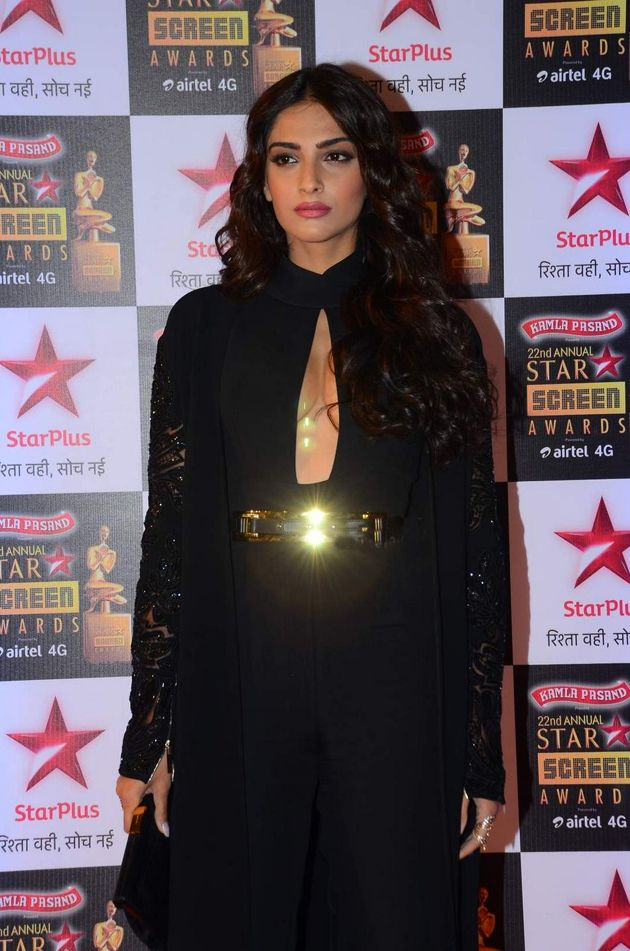 Sonam Kapoor at Star Screen Awards 2016 Red Carpet