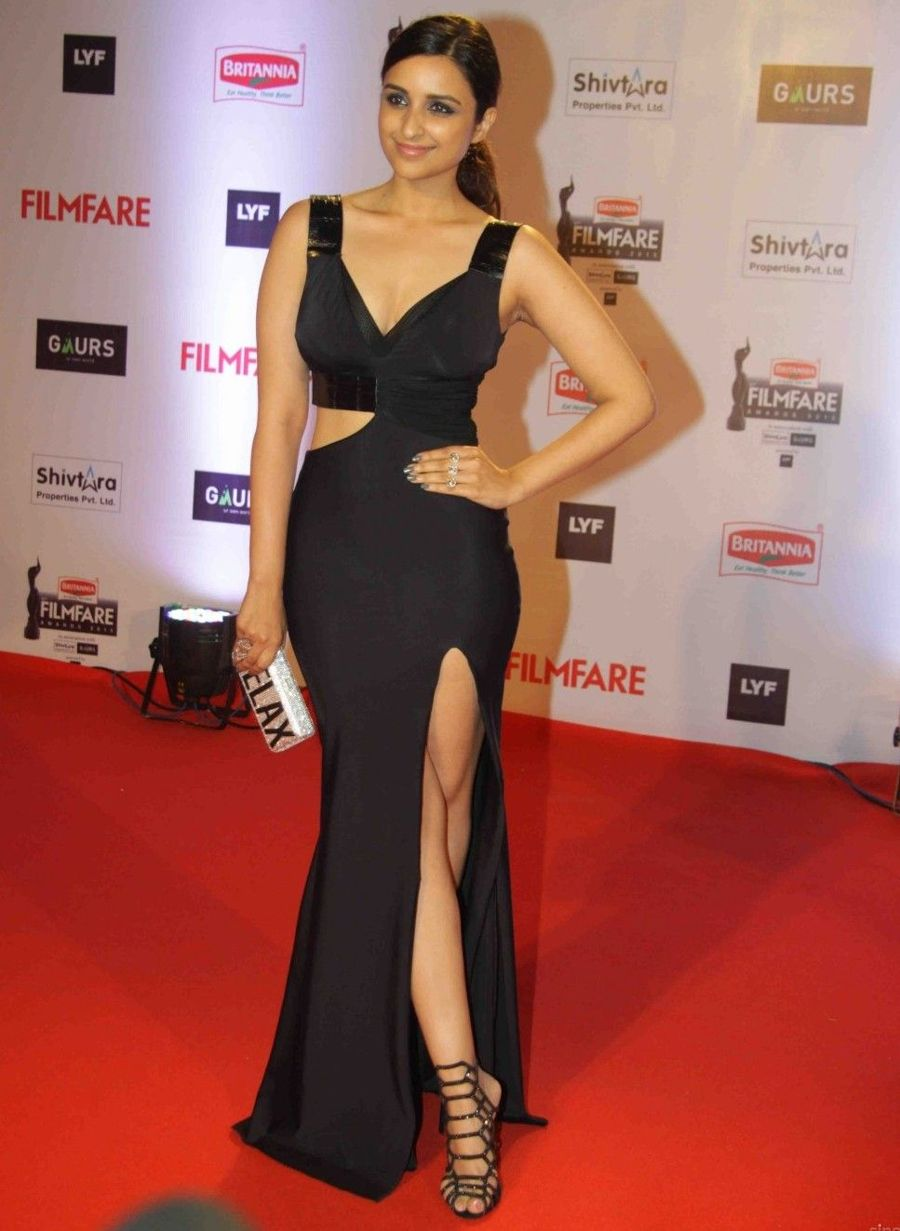 Parineeti Chopra at Britannia Filmfare Awards 2016