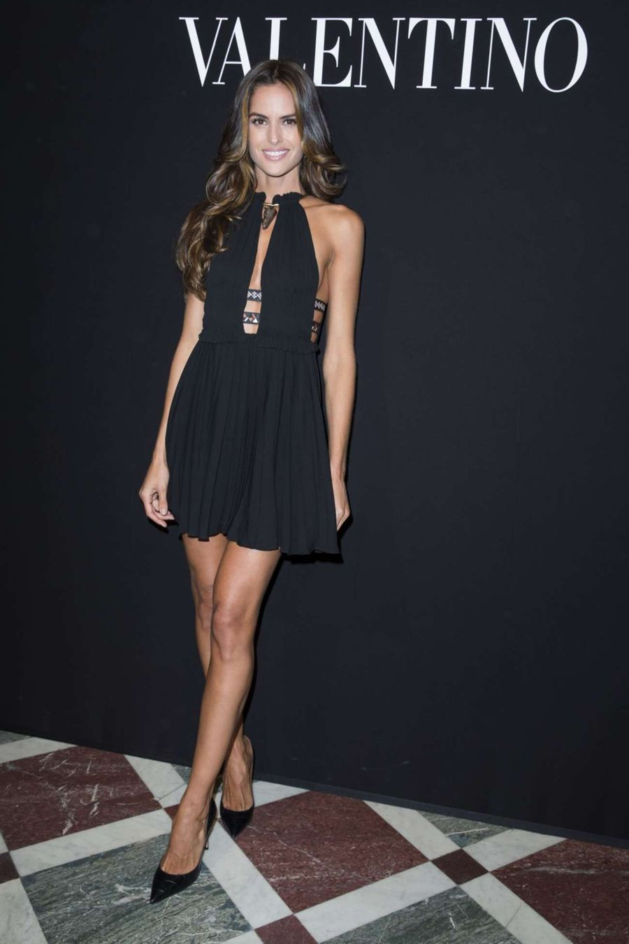 Izabel Goulart - Valentino Fashion Show in Paris