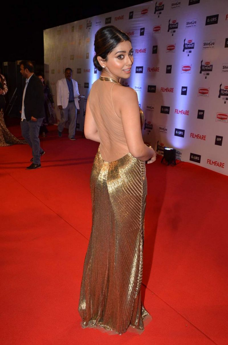Shriya Saran at Filmfare Awards 2016