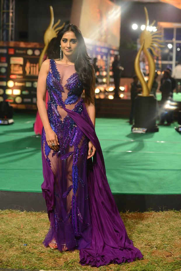 Regina at IIFA Utsavam Awards 2016
