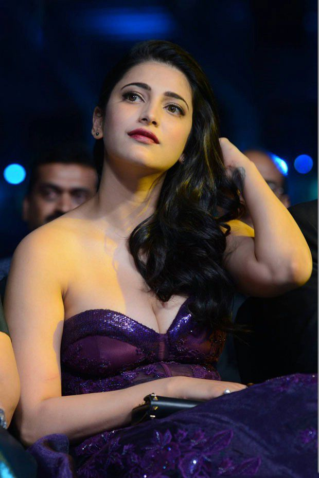Shruti Hassan at IIFA Utsavam Awards 2016
