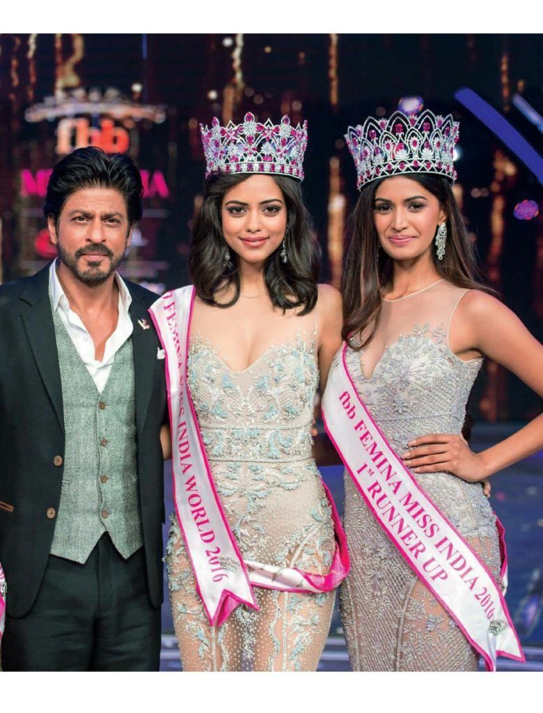 ShahRukh Khan Poses with Miss 2016 Queens for Femina