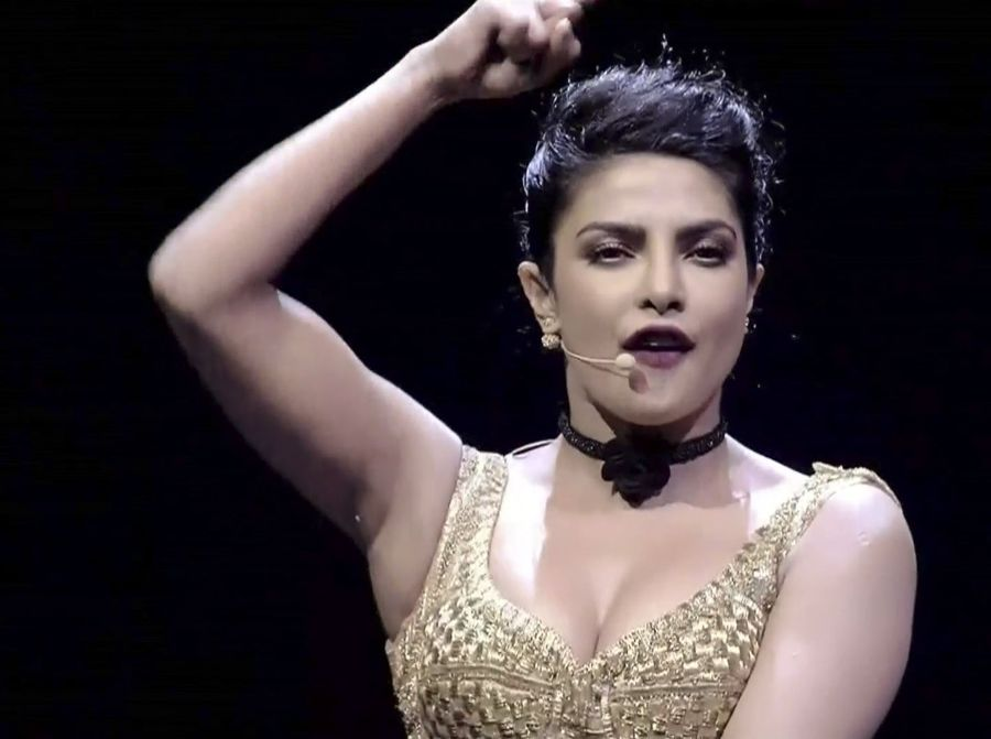 Priyanka Chopra Burnt the Stage with Glamour