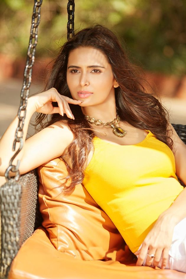 "Newcomer Meenakshi Dixit Says - ""My Passion Is My Strength"""