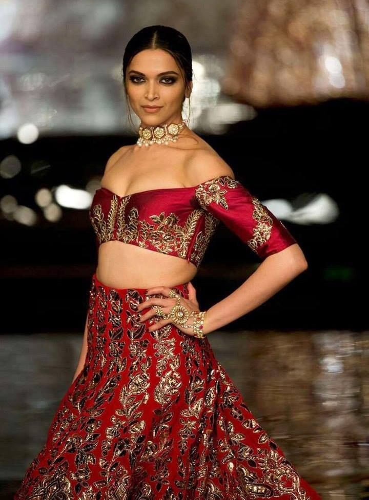 Deepika Padukone, Fawad Walks the Ramp for Manish Malhotra
