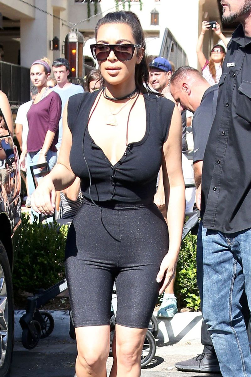 Kim Kardashian Arriving at a store opening in San Diego