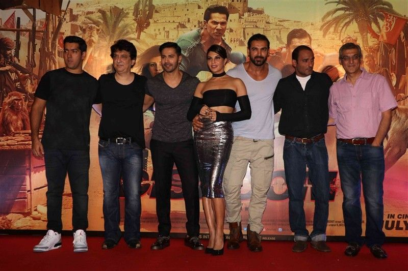 Jacqueline Fernandez Glams Up Dishoom Trailer Launch