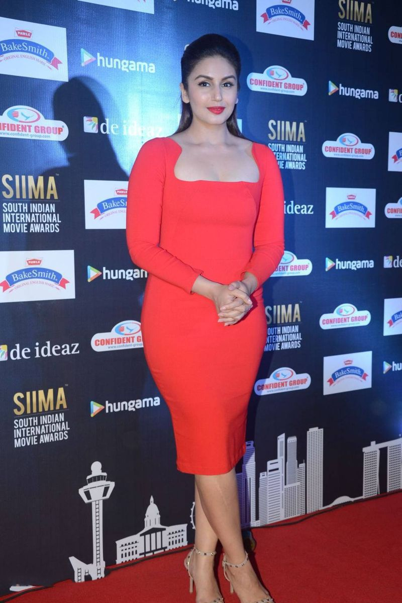 Huma Qureshi at SIIMA 2016 Singapore Press Conference