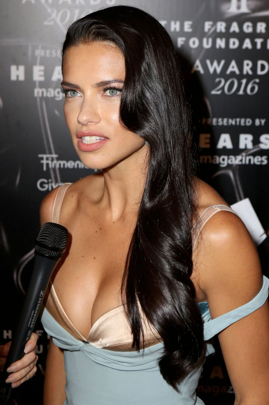 Adriana Lima wants to star in a Quentin Tarantino film. The 34-year ...