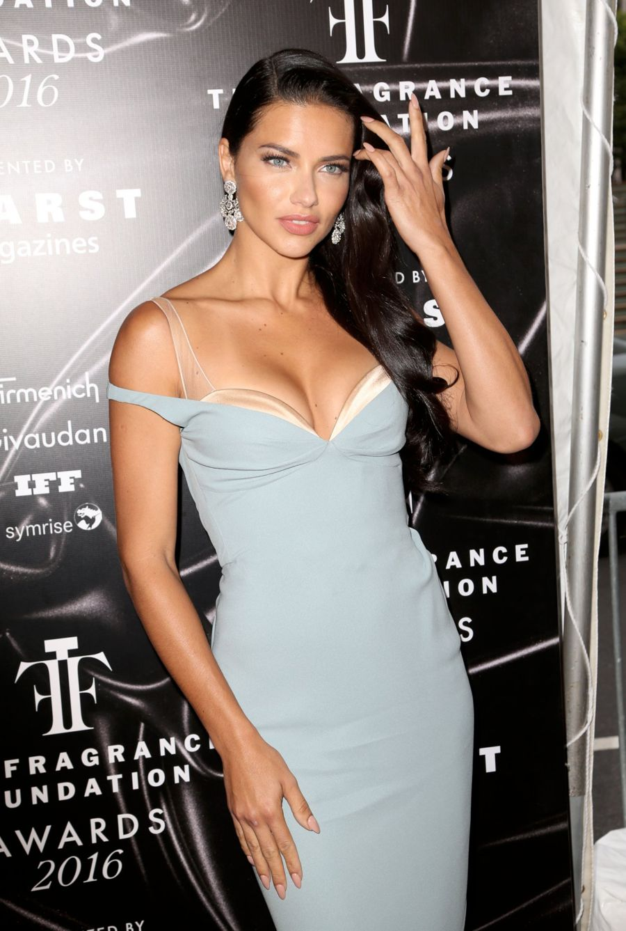 Adriana Lima - 2016 Fragrance Foundation Awards in New York