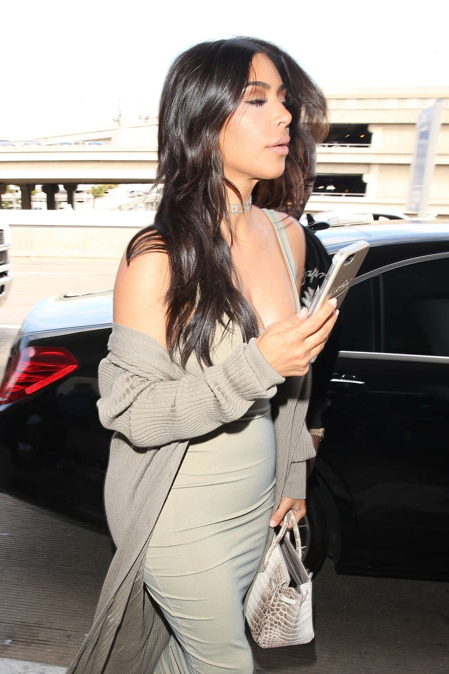 Kim Kardashian in an Eye-Popping Display at LAX Airport