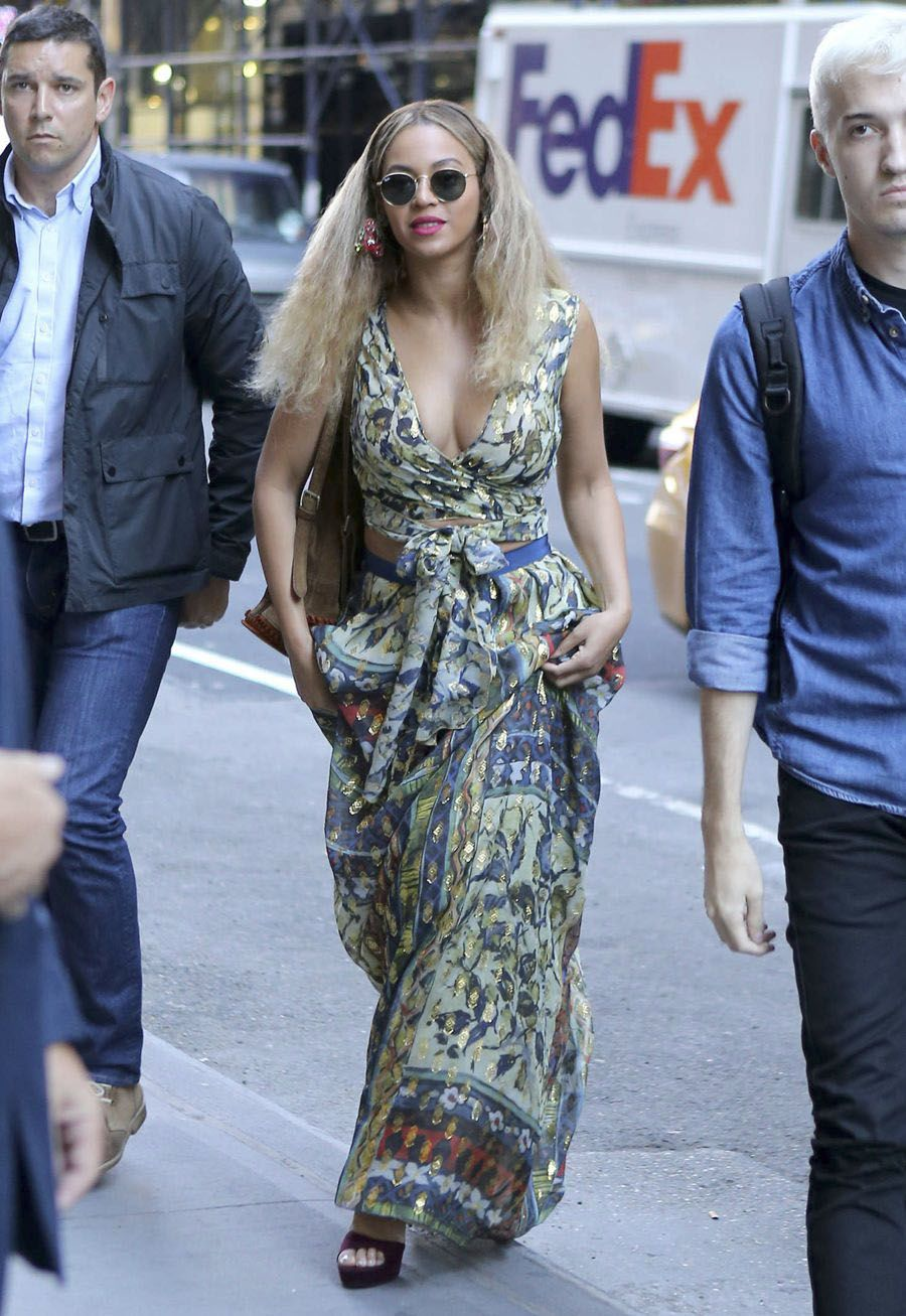 Beyonce in Summer Dress out in NYC