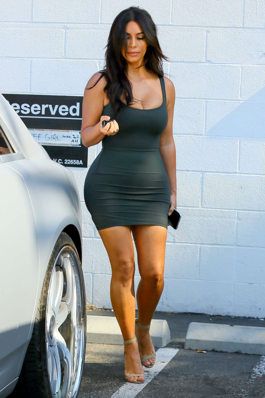 Kim Kardashian - Leaves Bunim-Muray Productions Studio