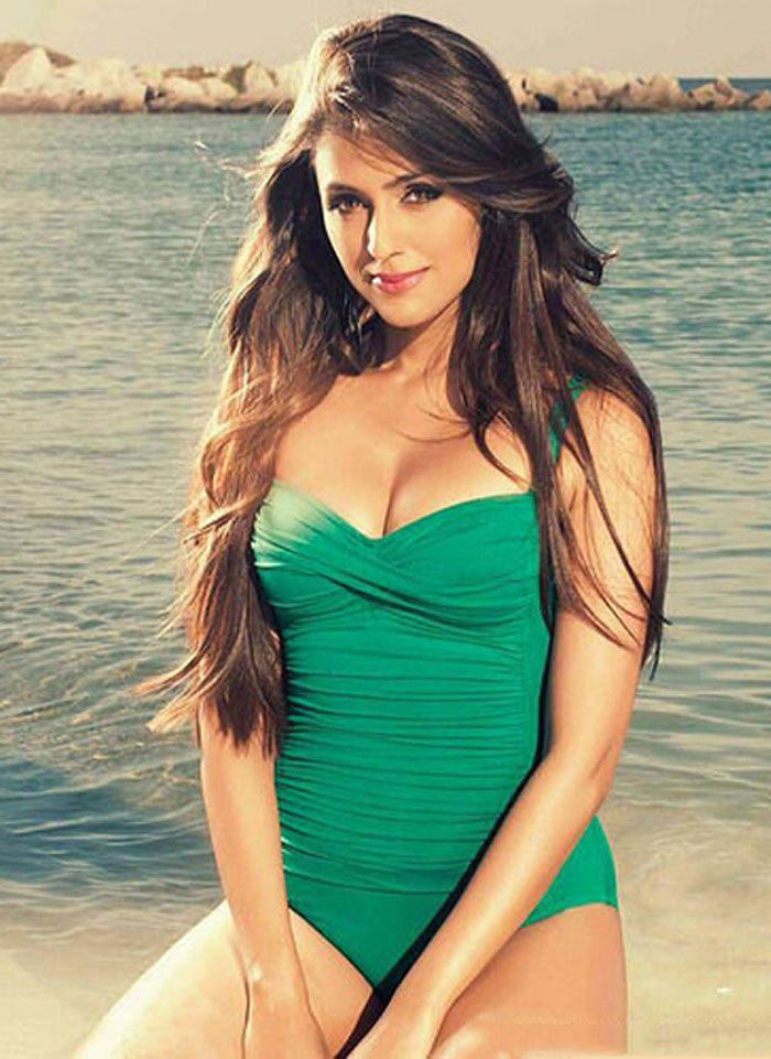 Aarti Chhbaria's Bikini Pics will Steal your Heart