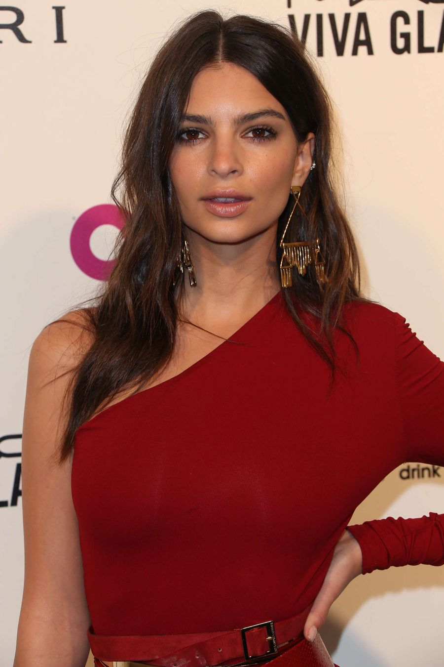Emily Ratajkowski - 2016 AIDS Foundation's Oscar Party
