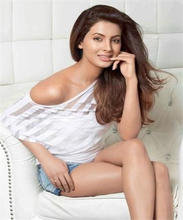 Harbajan's wife Geeta Basra - Savvy February 2016 photoshoot