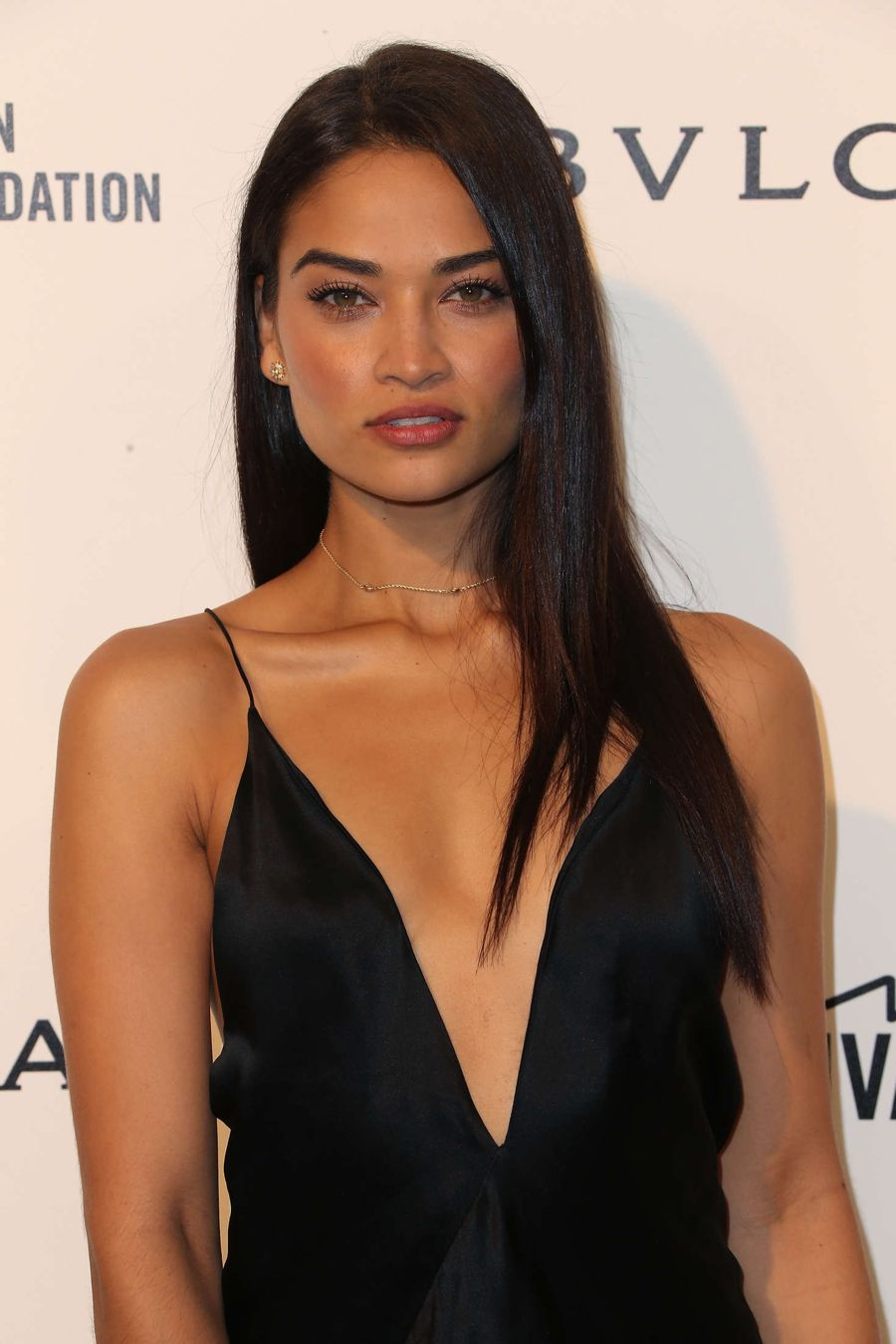 Shanina Shaik - 2016 AIDS Foundation's Oscar Party