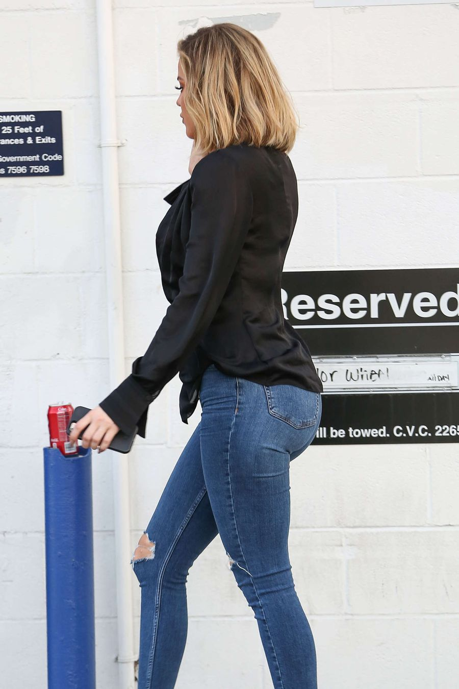 Khloe Kardashian in Jeans leaving the studio in Van Nuys