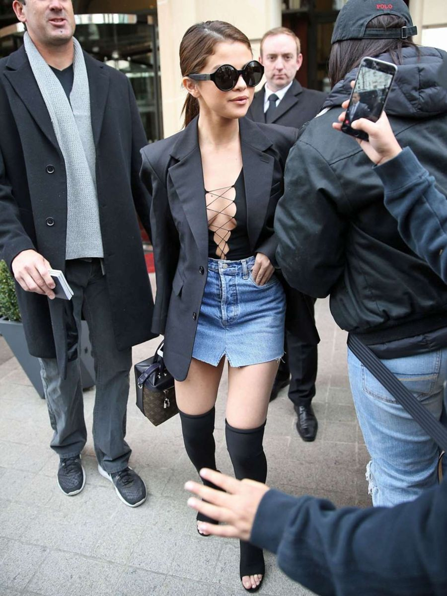 Selena Gomez - Leaves her Hotel in Paris
