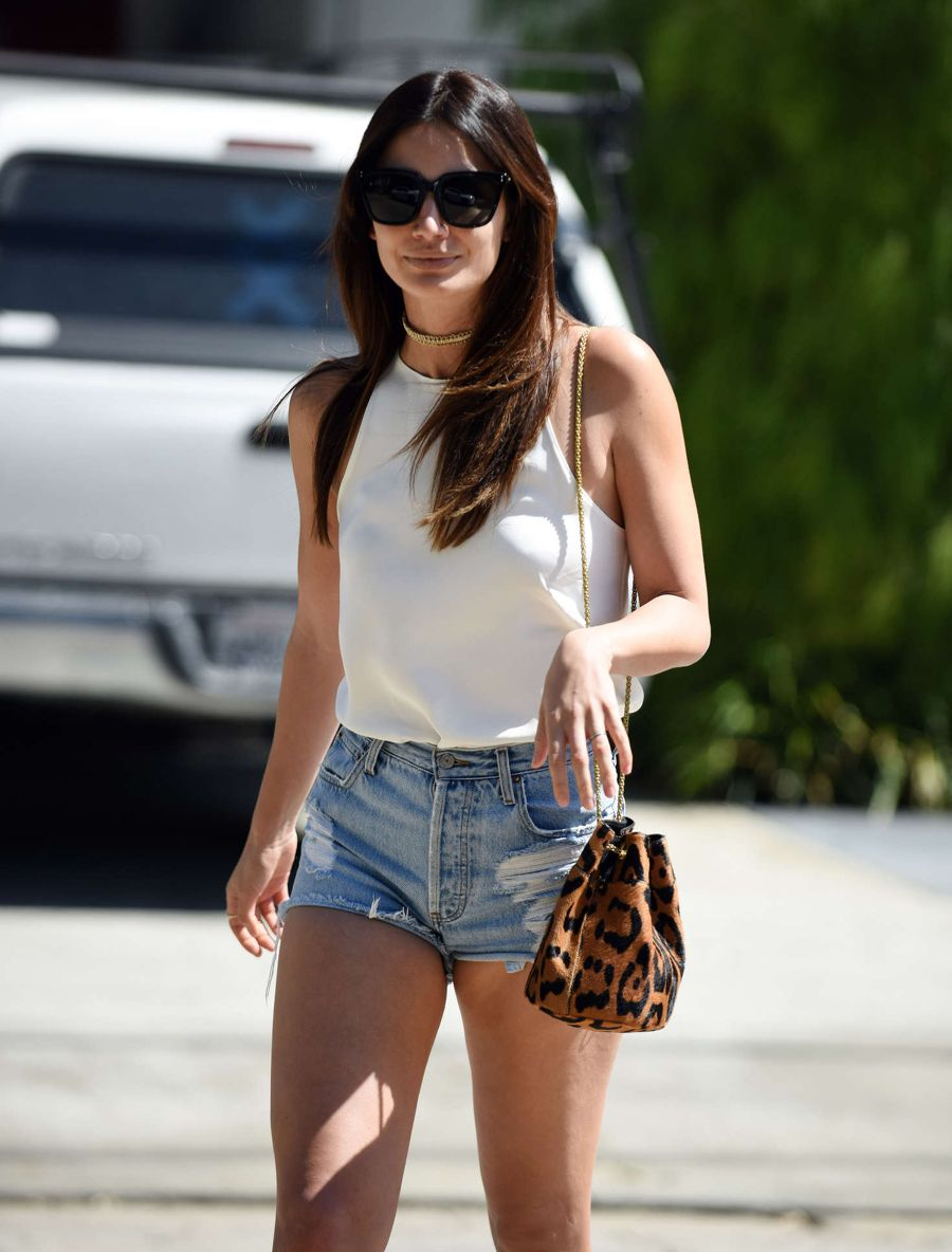 Lily Aldridge - Leaving Kinara Skin Care Clinic and Spa