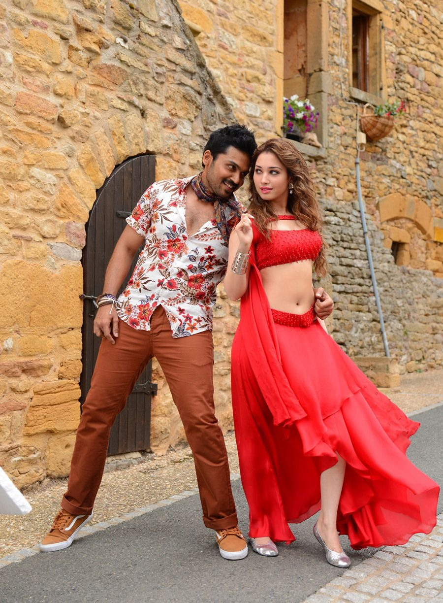 Tamanna Looks Ravishing in the Upcoming Film Oopiri