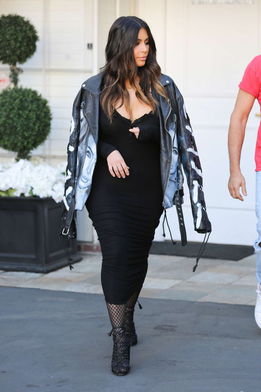 Kim Kardashian - Arriving at a photoshoot in Beverly Hills