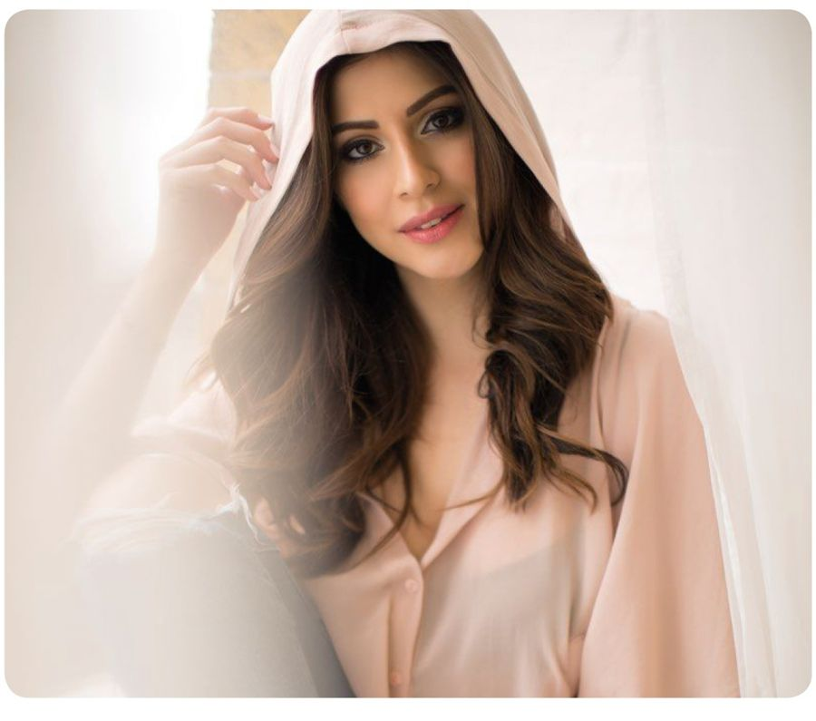 Karishma Kotak Photographs from FHM India (May 2016)