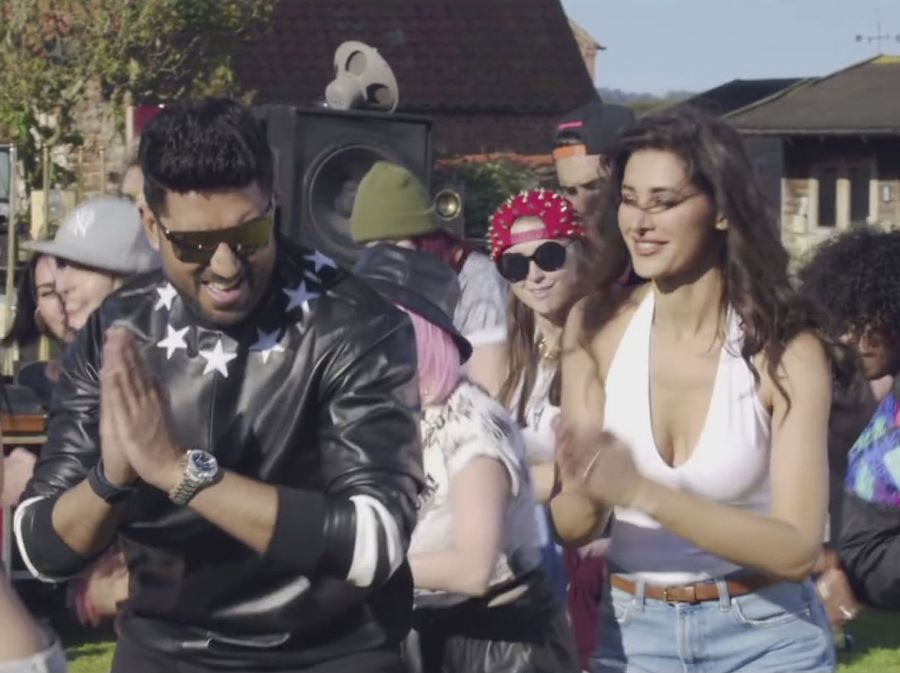 Housefull 3 - Most Glamorous Scenes So Far