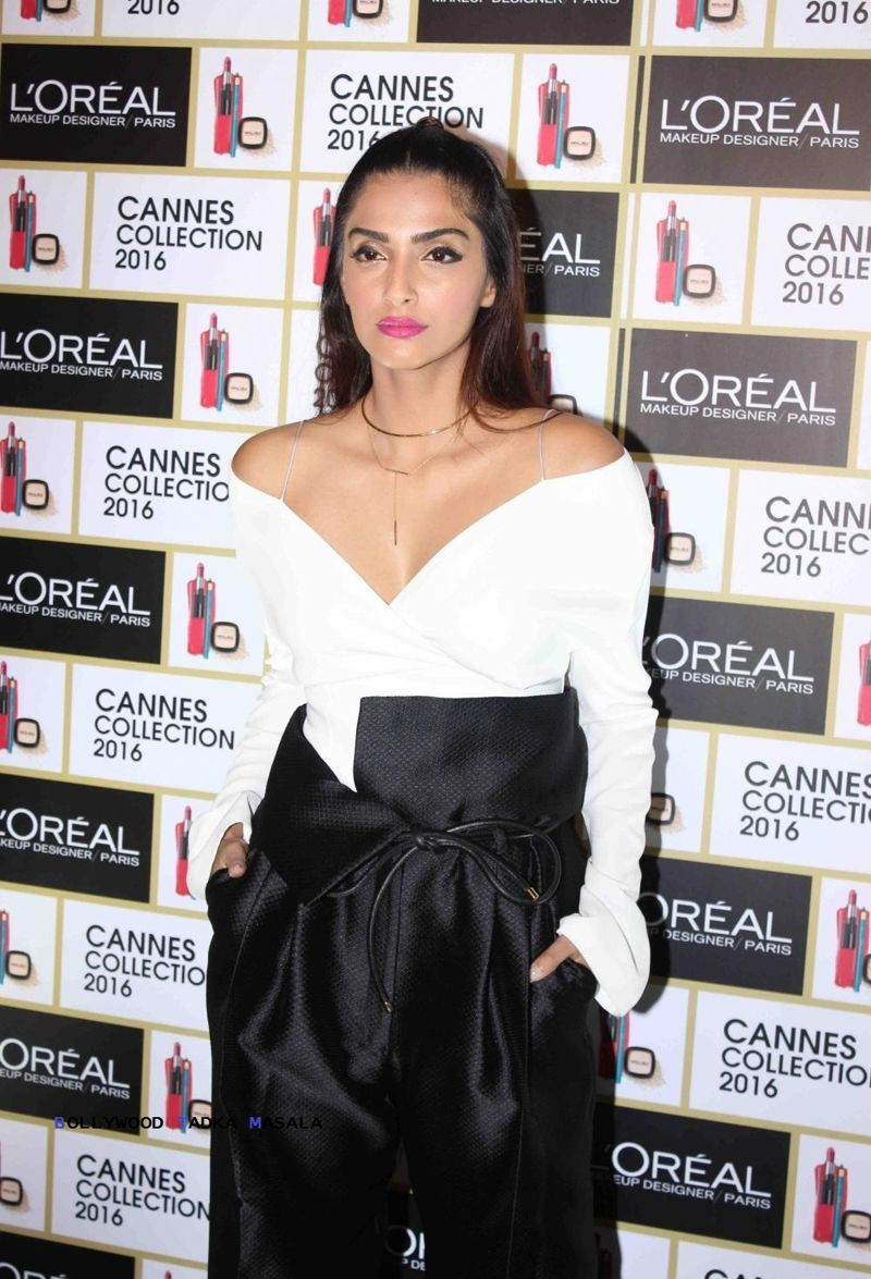 Sonam Kapoor in A Black & White Diogo Miranda Outfit